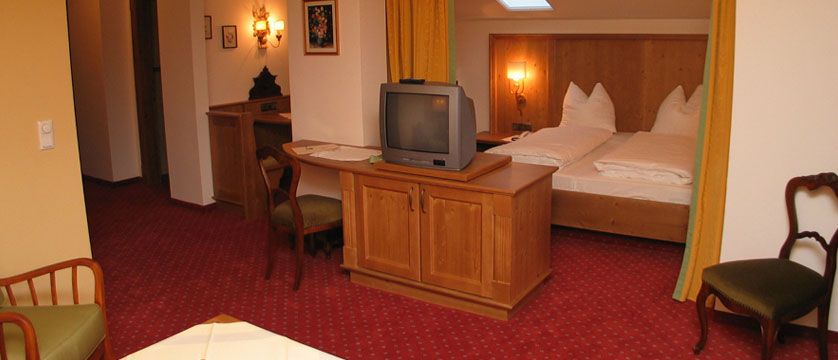 Hotel Tiefenbrunner, Kitzbühel, Austria - Junior suite.jpg